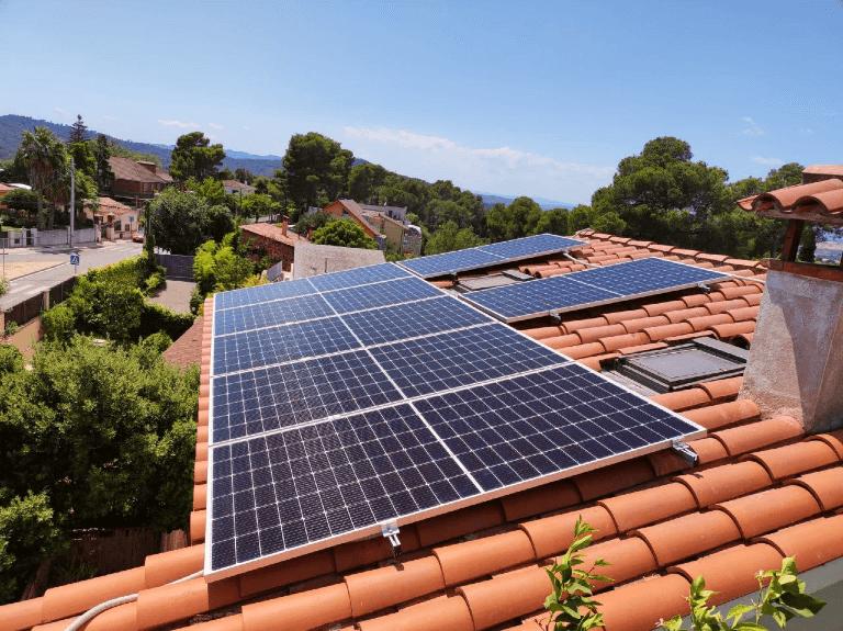 Instalación de placas solares en Sant Cugat del Vallès