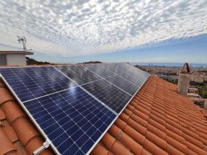 Placas solares en una vivienda de Barcelona
