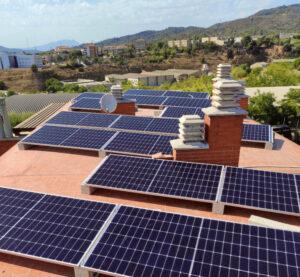 Instalación de placas solares en vivienda de Sant Feliu de Llobregat