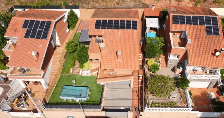 Instalación de paneles solares en Corbera de Llobregat